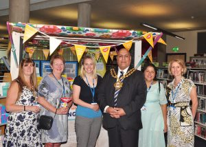 Oldham Mayor with some of Right Start team